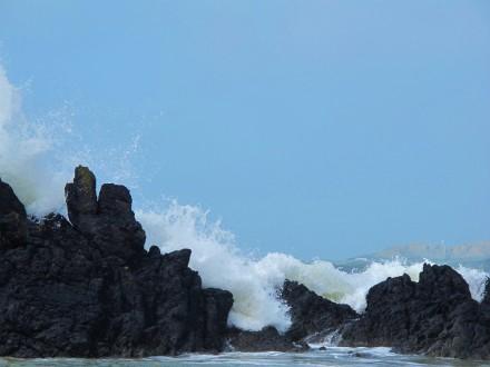 Tonnau/Waves - Trwyn Ffynon y Sais