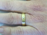 Wedding band - yellow gold with diamond